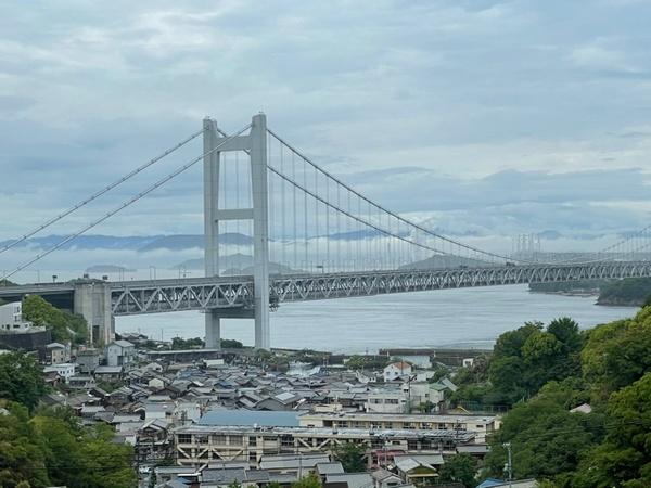 雨上がりの瀬戸大橋